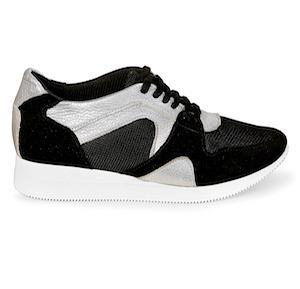 кроссовки  - Эти эффектные кроссовки выполнены в классическом