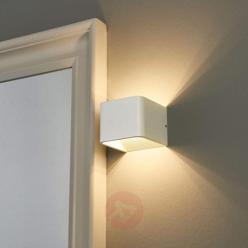 Lovely light - LED bathroom wall lamp Eloise - indoor-lighting