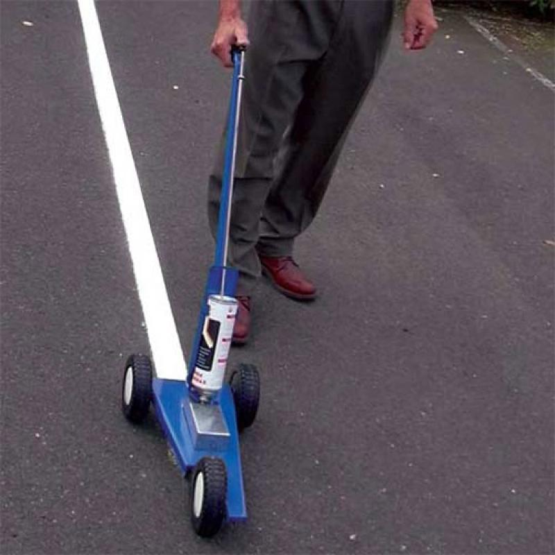 Matériel pour traçage de lignes au sol - Aménagement parking