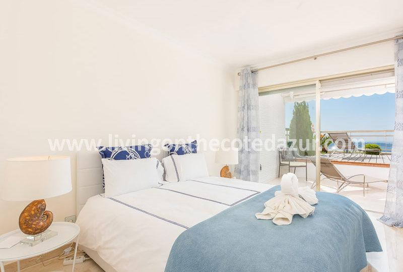 Tasteful Cannes Californie apartment with sea view - Real Estate