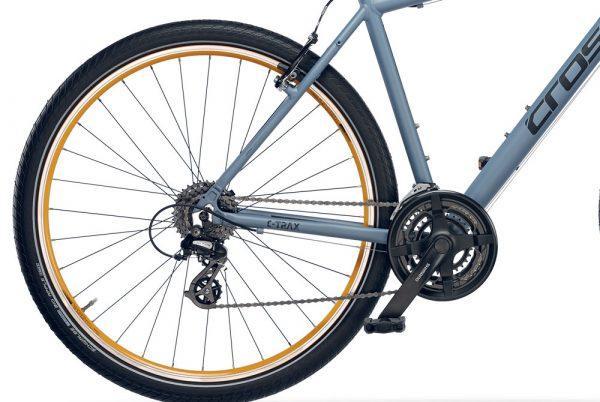 CROSS C-TRAX, cuadro en aluminio 6061, ruedas 700C, 24 velocidades - Cross