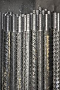 Pièces métalliques filetées