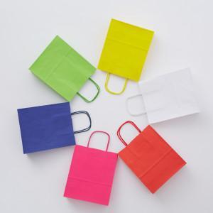 Torba papierowa, kolorowa na Krafcie białym,  - z kolorowym uchwytem skręcanym;