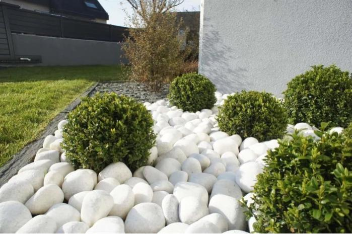 Marble - Snow-white tumbled marble (size 30-40 mm)