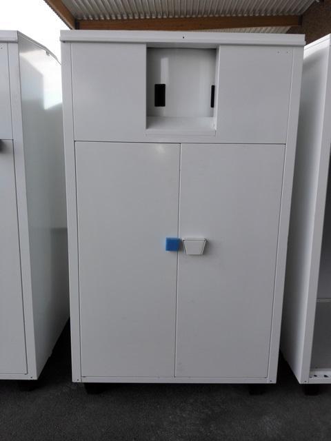 Recycling-Container für Textilien - verfügbaren Alttextilien