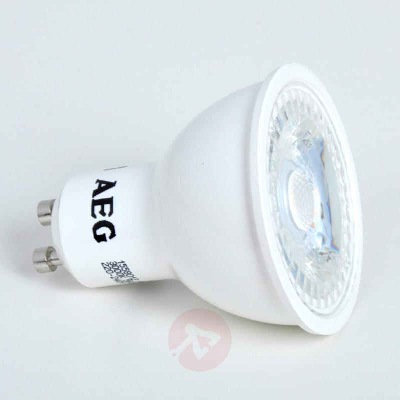 GU10 7 W 830 LED reflector lamp 36° - light-bulbs
