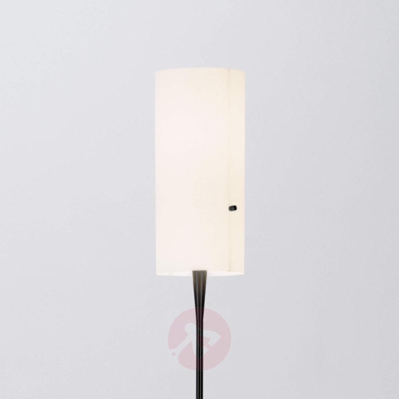 Slim designer floor lamp Club with chintz shade - design-hotel-lighting