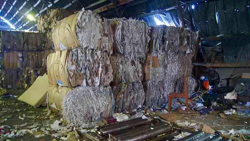 Макулатура МС-8В (газеты, газетная бумага) - Сырье прессованное (кипы 350 кг)