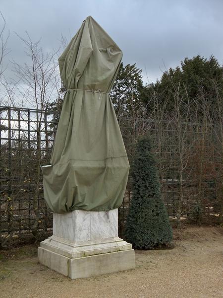 Toiles de protection pour statues