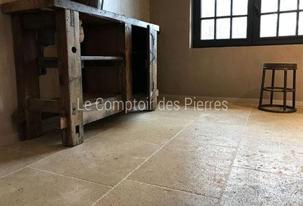 Dallage en pierre de Bourgogne - Carrelage, dalles, sol, revêtement de sol en pierre