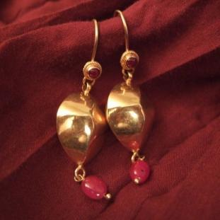 Boucles d'oreilles - Or 18ct, rubis, Inde