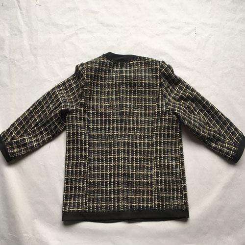 Женское черное пальто -
