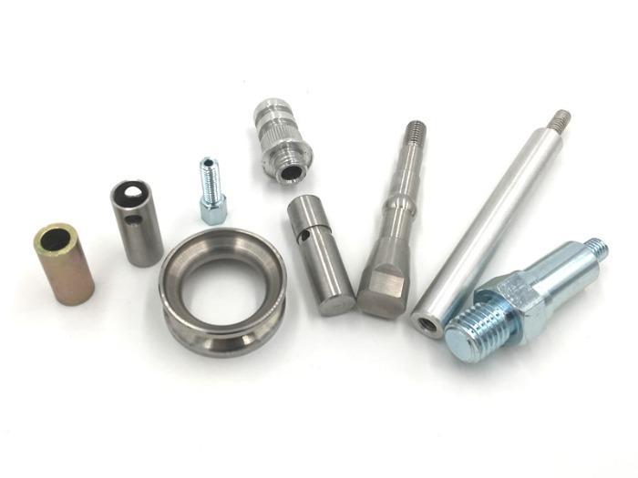 pezzi di tornitura in acciaio - Pezzi torniti in acciaio di qualità - Servizi di tornitura e fresatura CNC