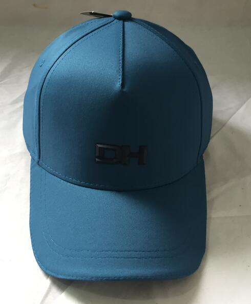 Podniesiona czapeczka 3D -