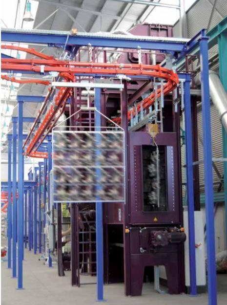 Durchlaufhängebahn-Strahlanlage - Durchlaufhängebahn-Strahlanlagen zum Entrosten, Entzundern, Endsanden, Entgraten