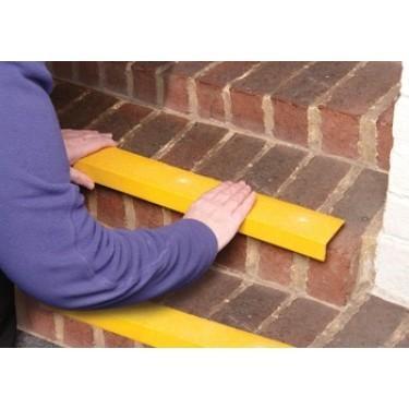 Nez de marche antid rapant escalier bord de marche super for Antiderapant escalier interieur