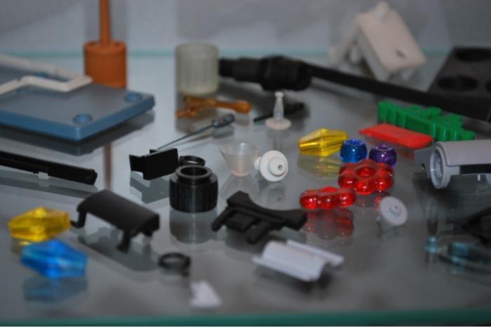Injection moulded parts - From less than 1 gram up to 4 kg, 2 K and inserts possible