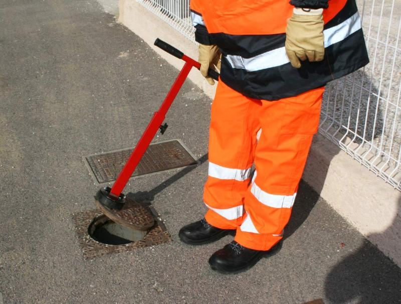 Manhole cover lift mini for professionals  -