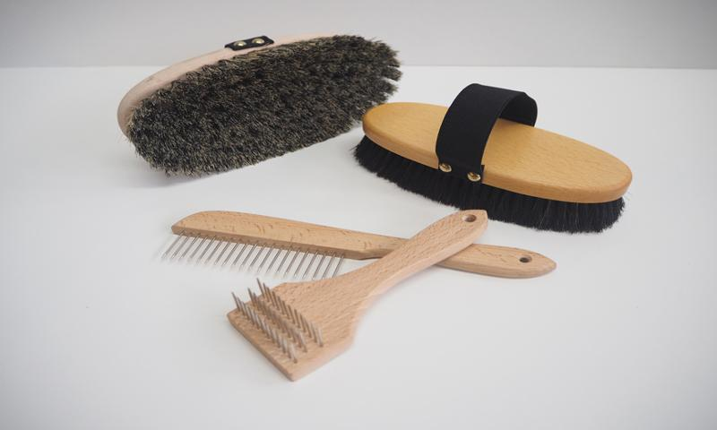 From the dog to the horse - Animal care brushes