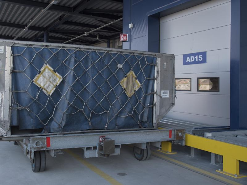 Dolly Dock - Airport Logistics - Air Freight