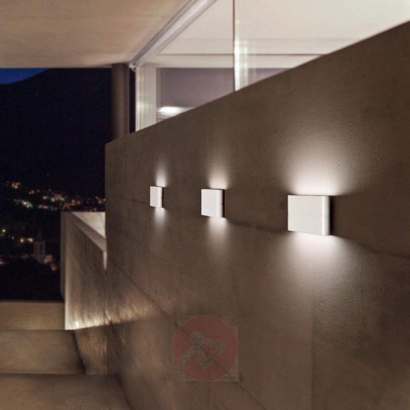 Casper - white LED wall light for outdoor use - Outdoor Wall Lights