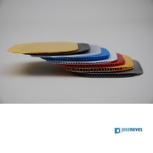 Canelado plástico em PP - null