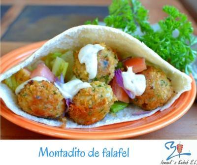 Montadito de falafel – (25 uds./caja) - Cada caja contiene 25 unidades de montaditos de falafel.  En el precio se incluy