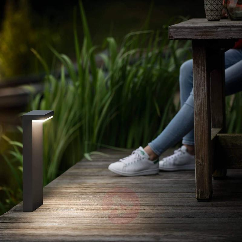 Bustan - LED pillar light in an angular shape - Pillar Lights