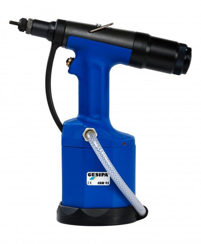 GBM 95 - Remachadora neumática-hidráulica para tuercas remachables