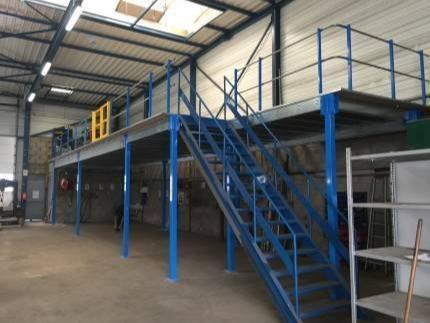 Plate-forme de stockage sur poteaux - L'installation de plateformes est la solution pour une mise à profit de l'espace