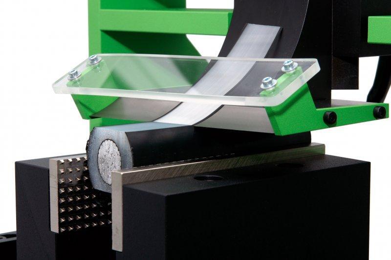 Pareuse modèle SC-PE - Pour la découpe d'haltères permettant la mesure d'allongements à chaud