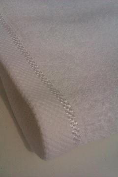 Текстиль для гостиниц - махровые полотенца, махровые и вафельные халаты для гостиниц