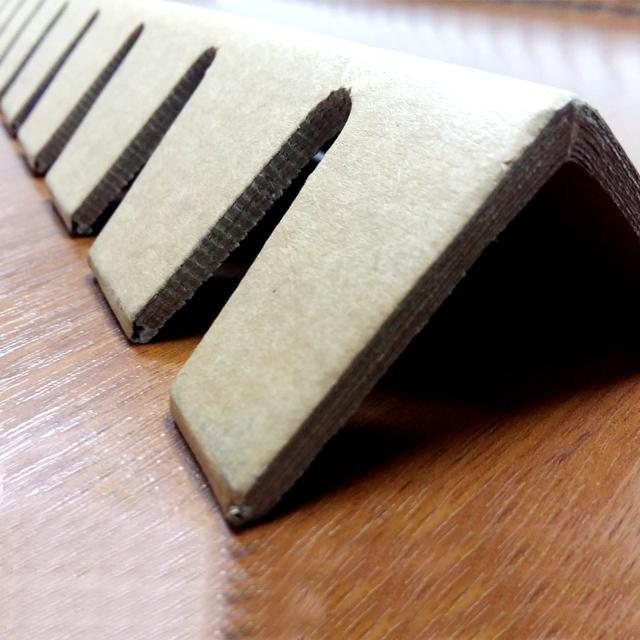 kartonkiset kulmasuojat / Kantskydd av kartong brun - Laadukkaat kartonkiset kulmasuojat edullisesti!