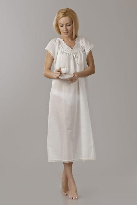 Nightgown with embroidered  yoke. -