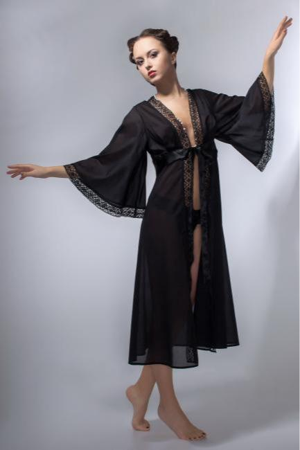 Black cotton peignoir. - The  peignoir made of 100% black cotton with the cut under the breast.