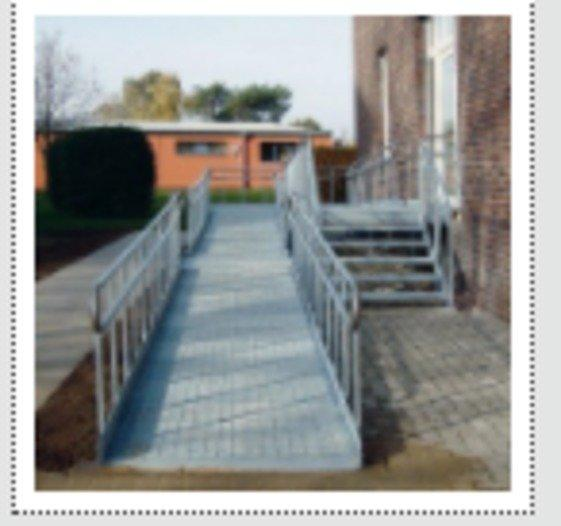 Barrierefreie Behindertenrampen - null