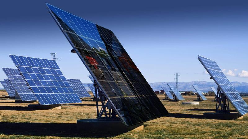 Solar Hybridkraftwerke - Mieten Und Vermietung Von Generatoren, Klimaanlage Oder Industrieheizung