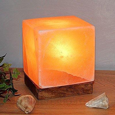 Lampe à poser Kubus à socle en bois - Lampes de sel