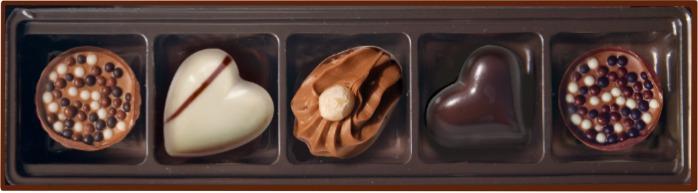 EMOTI Hazelnut Chocolates, Le Voyage 66g (bow decorated). SK -