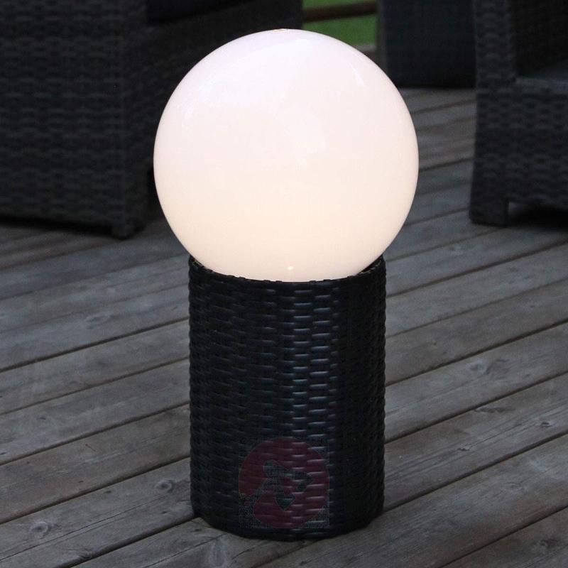 LED solar globe Lug with base - Pillar Lights