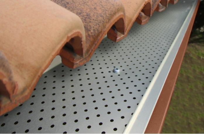 Pare-feuilles GrilleStop Gutter Clean - Le protège gouttière indispensable pour vos gouttières existantes