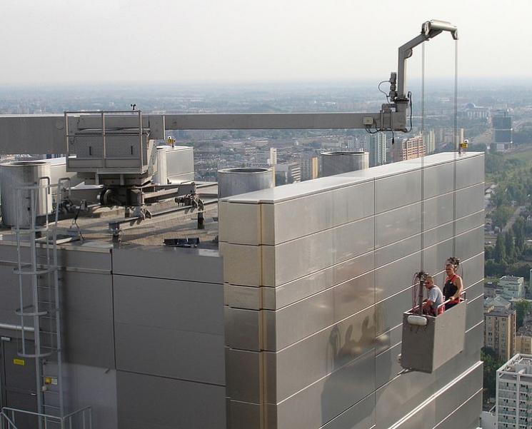 GEDA Fassadenaufzüge - GEDA Fassadenaufzüge - Fassadenbefahranlagen