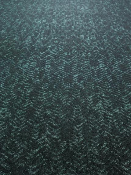 Dune 700 - Wall-to-wall Carpet - Tropical accents set the tone.
