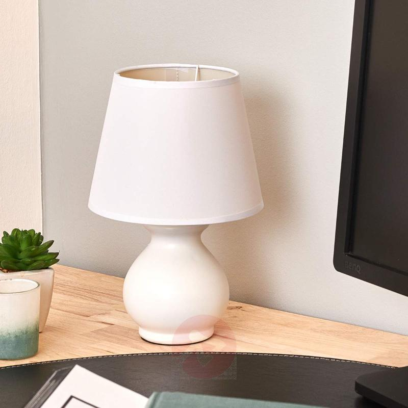 Small ceramic Mia table lamp - Bedside Lamps