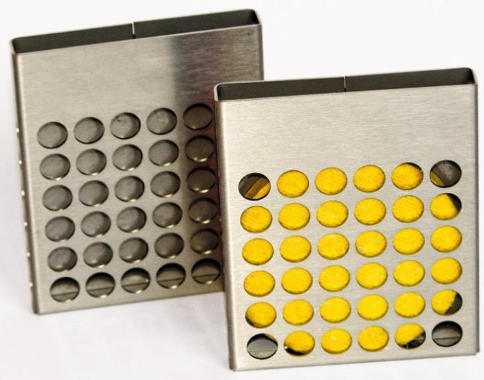 Edelstahlhalterung mit SSD Disk - System zur Geruchsneutralisierung