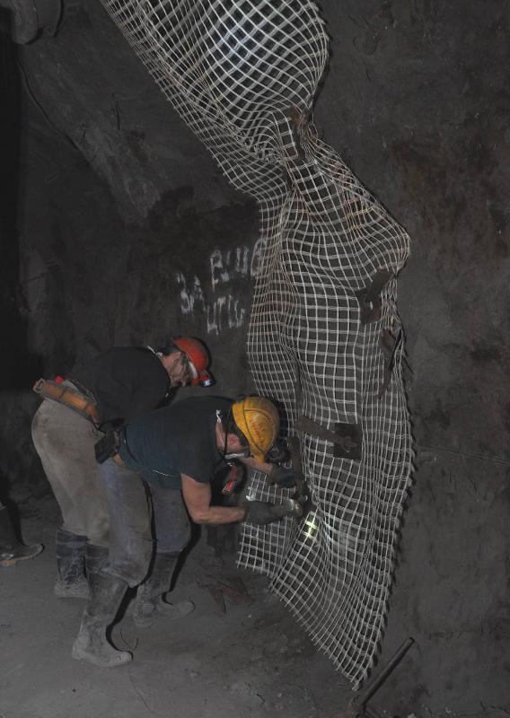 SGG mining grids of fiber glass - null