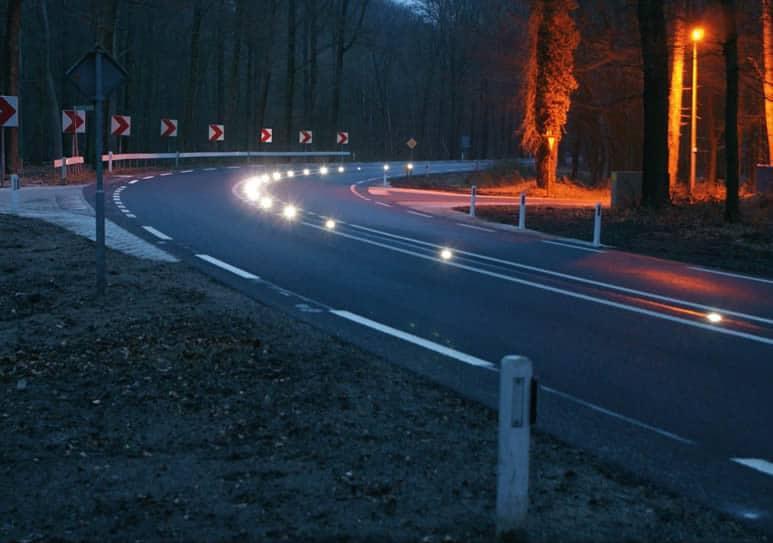 plot routier à led solaire - sécurisez vos passages piétons ronds points et tout segment routier dangereux