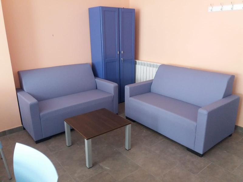 Mobiliario De Sala De Espera Y Comedores - null