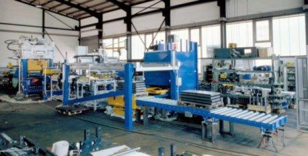Fin sheet manufacturing line - The line consists of: decoiler, feeding unit, knuckle joint press, guilottine