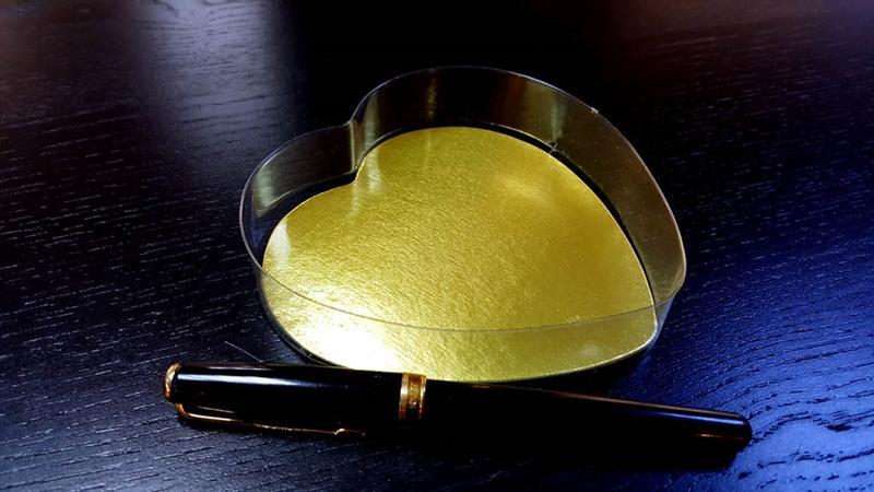 Caserola in forma de inima pentru bomboane